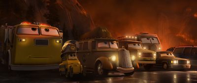 Vehicles in danger during a fire at the park